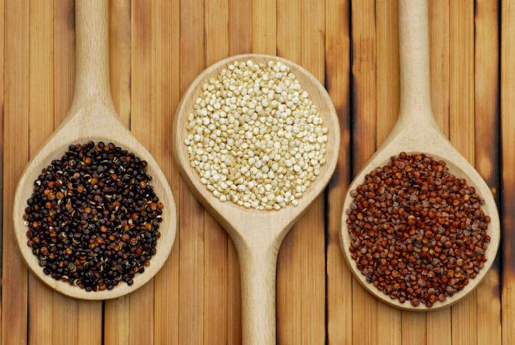 Organische Quinoa-Körner